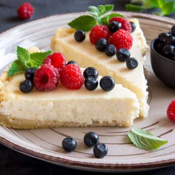 The Best Copy Cat Cheesecake Factory Low Carb Cheesecake