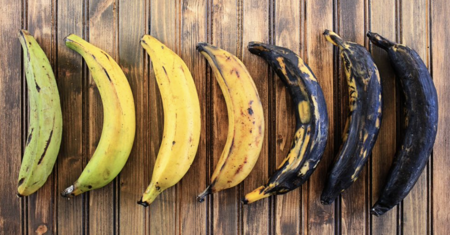 Do green plantains turn yellow?